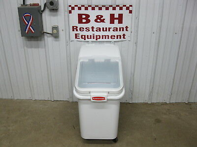 Rubbermaid 26 Gallon White Mobile Ingredient Bin w/ Sliding Clear Lid 3602