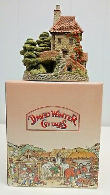 DAVID WINTER COTTAGES - TOLLKEEPERS COTTAGE FIGURINE w/ Box 1984 UK FAIRY HOUSE