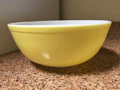 "Vintage Pyrex Yellow Large Mixing Bowl 10 3/8"" Excellent"