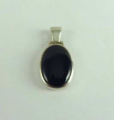 Sterling Silver Nice Onyx Oval Pendant 2.3 Grams Designer Signed PB