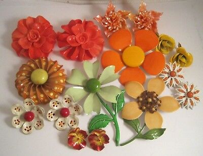 LOT Vintage ENAMEL & PLASTIC FLOWER PINS BROOCHES & EARRINGS