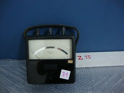 YEW Vintage Yokogawa Electric Works type Portable AC Voltmeter Type 2013