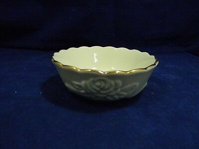 Lenox Cream and Gold Embossed Roses Small Bowl Candy Berry Decor