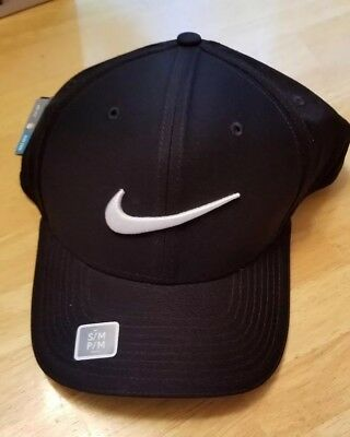 b15f744b0e13 NEW Nike Golf AeroBill Classic 99 Perforated Hat Cap Black   White - Fitted