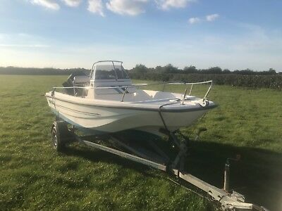 15ft Dory Sportsman Fishing/Water Skiing/Day speedboat. Similar to Boston Whaler