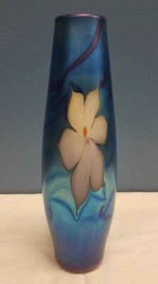 Vtg 1979 Vandermark Hand Blown Art Glass Iridescent Blue Floral Vase Signed Htf