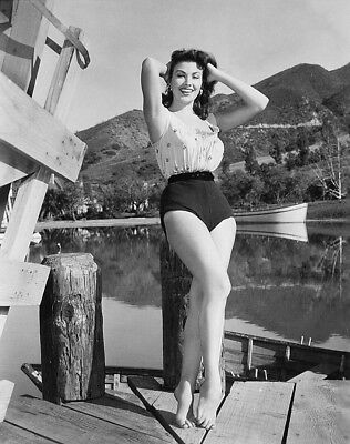 WW2 Photo WWII  World War Two Girl in  Bathing Suit World War Two Pinup  / 8046