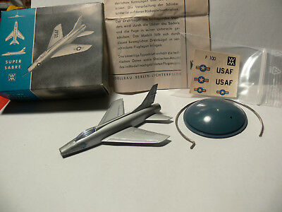 Wiking Flugzeug Aircr. Silberling 1:200 Model Super Sabre+O-Box+Decals+Stand+BPZ