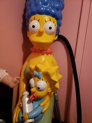 Life Size Marge and Maggie Simpson statue 2007 movie