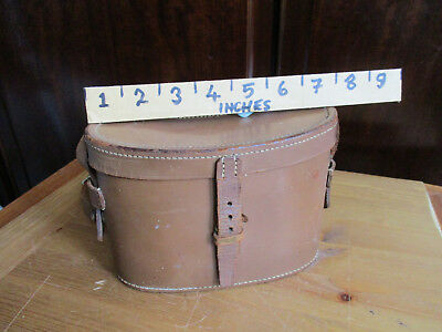 Small vintage binocular case. Possibly ex military. Needs a repair - buckle.