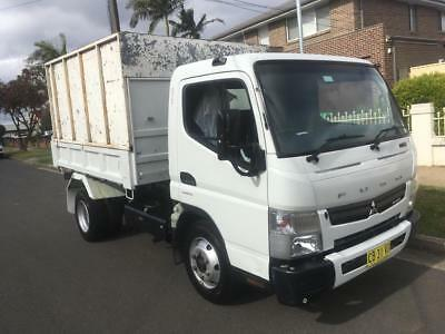 Tipper 11/2014 Mitsubishi Fuso 715 Automatic, 68,299 km only with log books