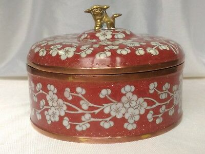 Antique Beautiful Chinese Cloisonne Box in 19th Century - Qing Dynasty