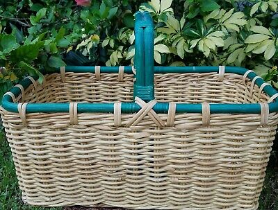 Large Farmhouse Wicker Basket With Wooden Handle
