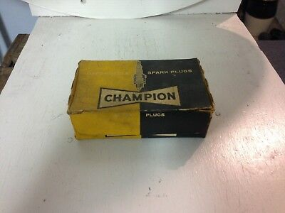 Champion Spark Plugs Vintage in BOX