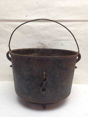 Vintage Cast Iron Pot 3 Footed Pot Rusty Yard Decor Flower Pots Cauldron
