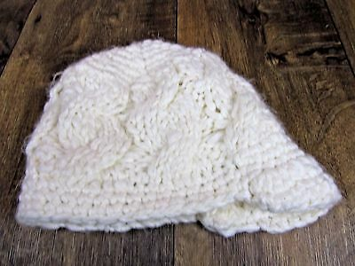 75f724117d8 Women s ivory cable knit winter cap hat visor lined EUC one size fits most  cute