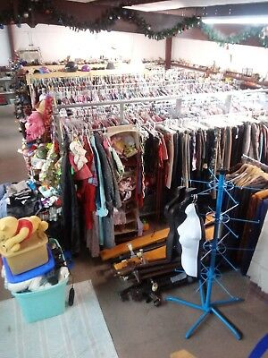 BUSINESS OPPORTUNITY TO HAVE A VINTAGE CLOTHING STORE = INVENTORY huge thirft