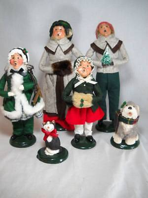 6 Piece Byers Choice Carolers 2 Adults & 2 Children Dog and Cat