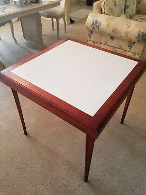 Stakmore folding Table