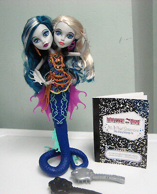Monster High Peri and Pearl Serpentine GREAT SCARRIER REEF Dolls