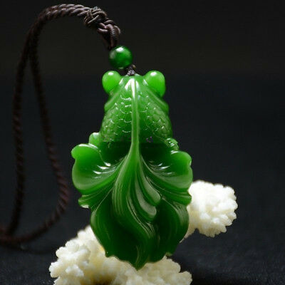 Chinese Hand Carved 100% Natural Nephrite Green Jade Goldfish Pendant Necklace