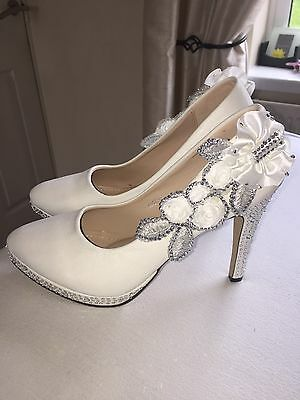 White Wedding Shoes Bride Bridal Heel Shoes Size 6 REDUCED