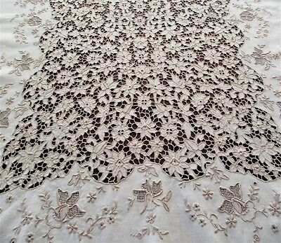 VINTAGE LINEN FLORAL EMBROIDERED CUT-WORK MADEIRA TABLECLOTH 106 x 64