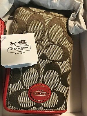 COACH Signature Authentic Zip Wristlet Purse Wallet Phone Bag w/ Gift Box NEW