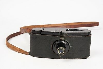 Purma Special  Bakelite camera with strap