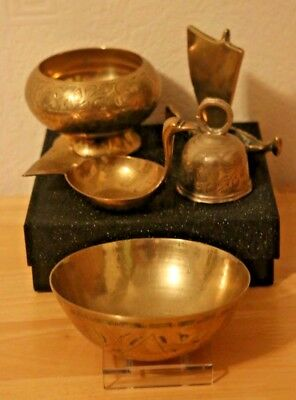 Collection of 5 small etched brass items. Bowls, bell, thermometer - VGC