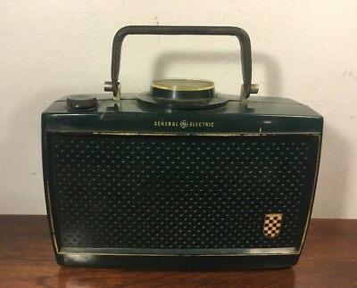 Vintage General Electric Model 630 Green Portable Tube Radio 1950's Deco
