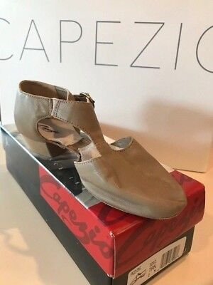 NIB Capezio Pedini 321C Tan- Child Size
