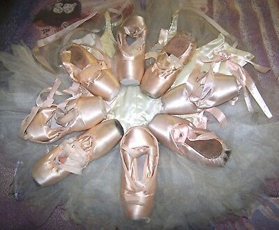 16 Beautiful ballet Pointe shoes toe ballerina decoration cosplay used dead