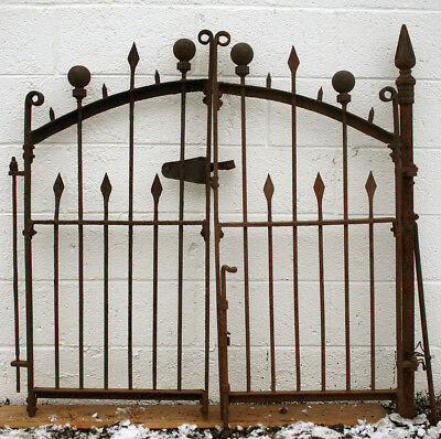 """4 Section 81""""x36"""" Gate Post Antique Vintage Iron Picket Ball Spear Fence Fencing"""