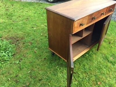 Georgian Mahogany Sideboard with 3 Drawers and Cupboards