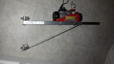 Clarke Strong arm Winch 250KG and scaffold crane