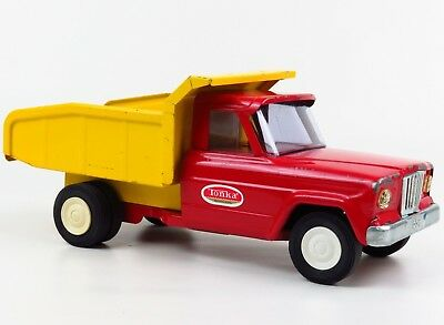 Vintage Metal Tonka Jeep Dump Truck 60s-70s Red & Yellow