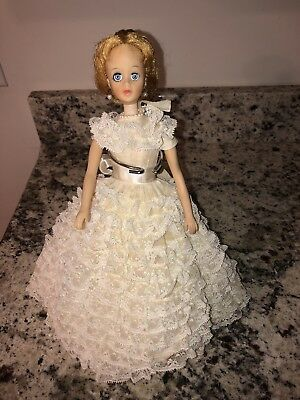 """Madame Alexander Vintage 1964 Brenda Starr 12"""" Doll, Made for One Year only."""