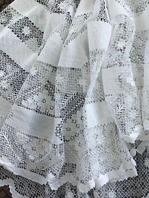 Oval Antique Filet Lace / Hand-Embroidered Mesh Tablecloth White Cotton