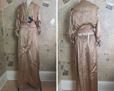 Victorian day dress, two piece dress, silk, lace and velvet, antique gown