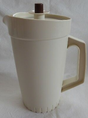 Retro/vintage Tupperware 1.25 Litre Jug - Beige With Bown Knob - Press Seal Lid