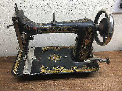 Vintage Davis Sewing Machine ~ #2440998 ~ Early 1900's? ~ Antique