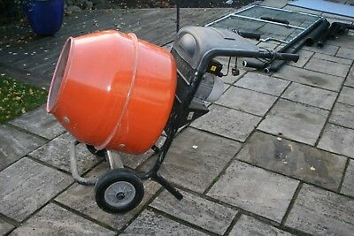 Cement Mixer 240v electric with stand fully tipping in great condition
