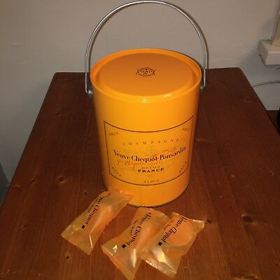 Veuve Clicquot Ponsardin Champagne Bucket Paint Pot Picnic Set Tin & Bottle Tops