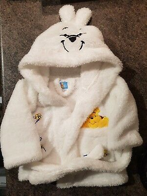 WINNIE THE POOH Babys 0-6 Months Hooded Fluffy Dressing Gown (A208)