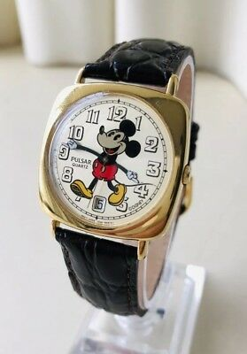 Vintage Old 1982 Seiko Pulsar Art Deco Animated Mickey Mouse TRENCH Men's Watch