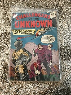 Challengers of the Unknown # 33 DC Comic Book Silver Age