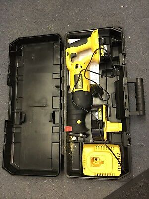 DeWALT DC385 CORDLESS 18V XRP HEAVY DUTY RECIPROCATING SAW WITH 2 Batteries