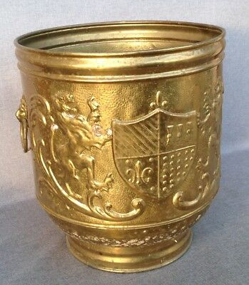 Big vintage english planter jardiniere brass repousse signed Lombard late 1900's