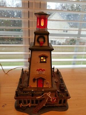 Dept 56 Dickens Village Series Lighthouse, Queens Port #56.58714